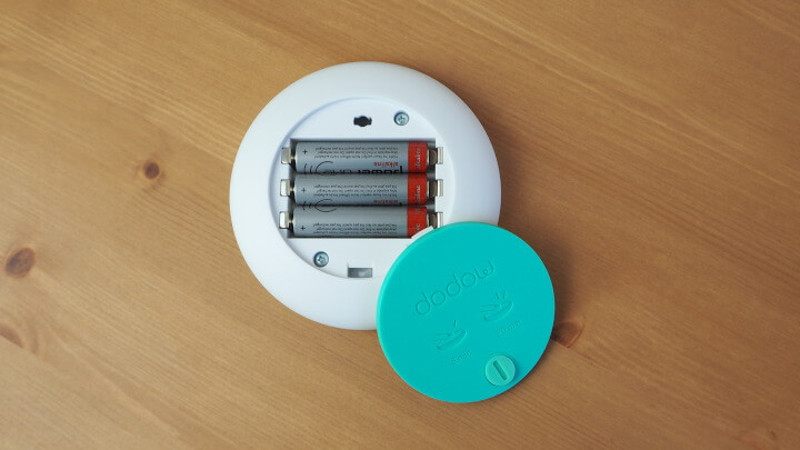 dodow mit eingelegten Batterien